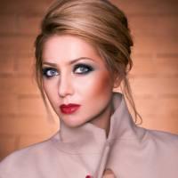 Designerul Nikita Rinadi - femeia ce-și transpune frumusețea în haine