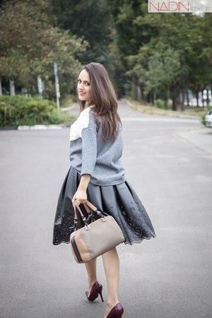 7-bluzon-rochie-neagra-fusta-din-piele-nikita-rinadi