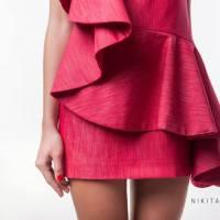 Delicate și versatile - rochiile cu volane